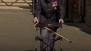 Kapitan Tom Moore