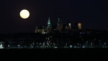'Pełnia Robaczego Księżyca' nastąpi już w ten weekend. Jak na nas wpłynie?
