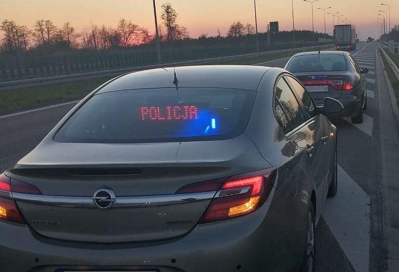 Kontrola policji, Speed, nieoznakowany radiowóz