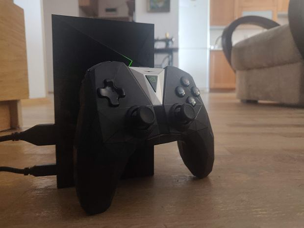 Konsola Shield TV Pro i kontroler