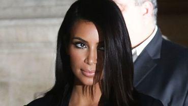 Kim Kardashian podczas Paryskiego Tygodnia Mody