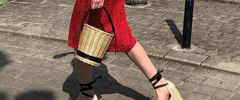 Najmodniejsze buty na lato za mniej niż 100 zł. TOP 24 markowe modele z wyprzedaży. Wygodne i stylowe!