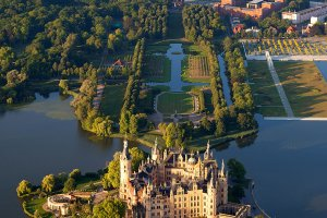Trzy kapitalne zamki w Niemczech. Jeden zbudował polski król. Który najlepszy?