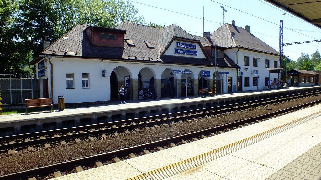 Stacja kolejowa w Mostach współcześnie. To tu 26 sierpnia 1939 roku wdarli się niemieccy dywersanci