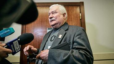 Lech Wałęsa przed salą sądową w Gdańsku, 22 listopada 2018.