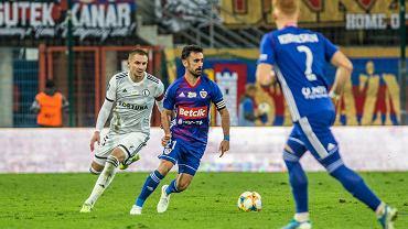 Gerard Badia w meczu Piast - Legia