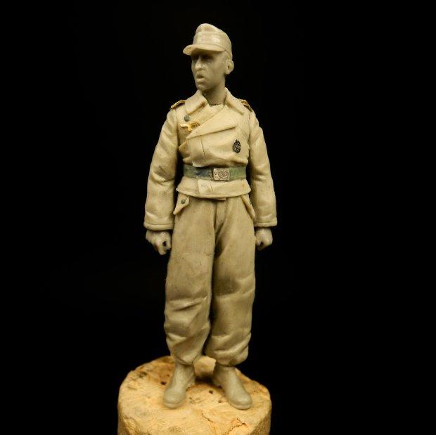 Figurka autorstwa Radka, przedstawiająca niemieckiego pancerniaka. Skala 1/35 (48mm)