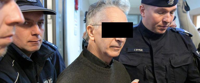 Proboszcz molestował dziewczynki? Jego zwolennicy o ofiarach: prostytutki