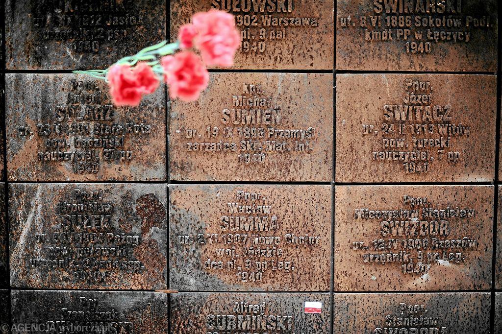 13 kwietnia Rosja przyznała się do zbrodni w Katyniu