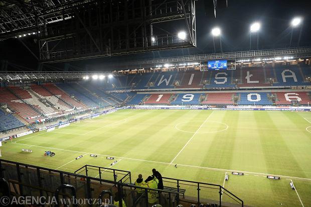 Wisła Kraków dostała pomoc od byłego piłkarza Arsenalu i Milanu. Wsparcia udzielił też Robert Lewandowski