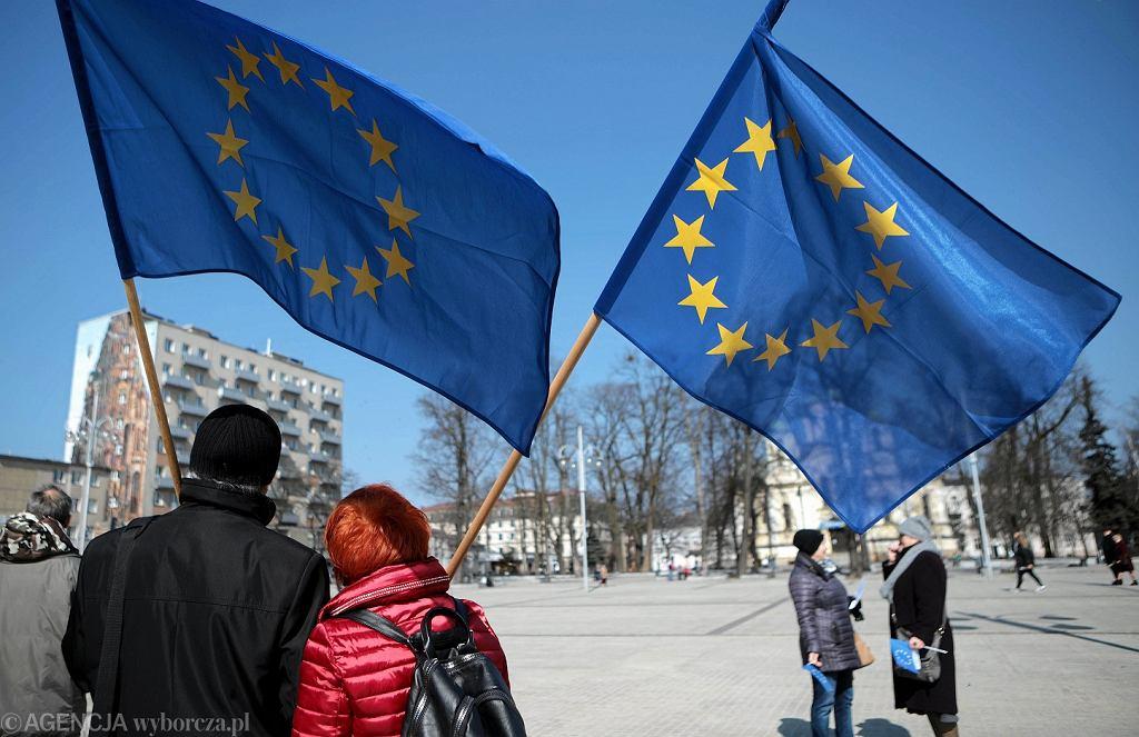 1 maja. Od 14 lat Polska jest członkiem Unii Europejskiej.