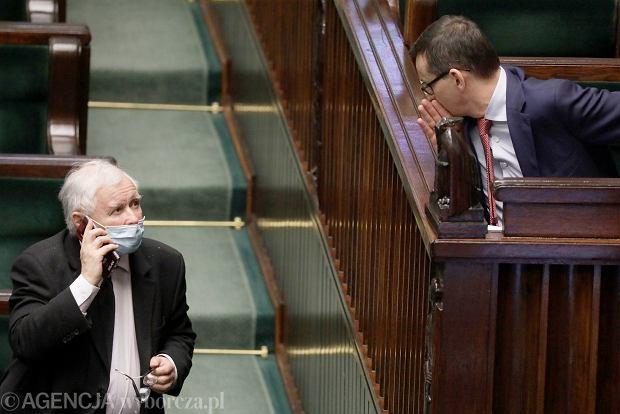 """PiS gra o wszystko. Co zostanie z """"Polskiego ładu"""", kiedy projekt trafi do Sejmu? Na razie przeciw jest nawet Kościół"""