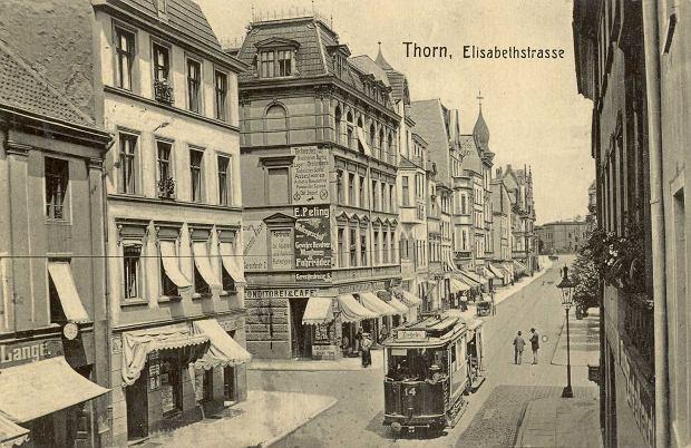 Zdjęcie numer 3 w galerii - 129 lat temu w Toruniu pojawiły się pierwsze konne tramwaje. Tak wozy zmieniały się przez lata [GALERIA]