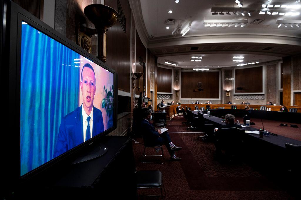 Mark Zuckerberg na przesłuchaniu senackiej Komisji Sprawiedliwości