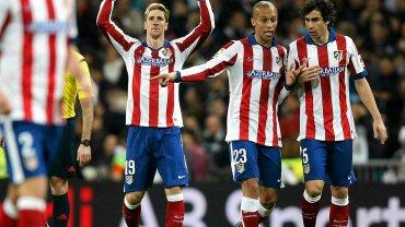 Fernando Torres (w środku)