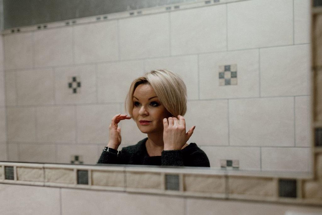 Agata Komorowska (fot. Iwona Karolak, Fryzura: Przystanek Cięcie, Kosmetyka: Si Bella SPA)