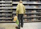 Na alkoholu zarabiają hurtownie i sklepy monopolowe. Wcale nie producenci