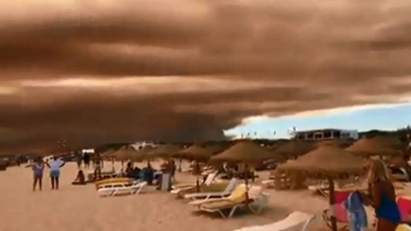 Niebo w Portugalii pokryło się gęstą warstwą czerwonego dymu