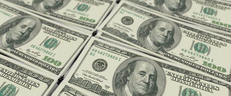 Kursy walut 13.07 o godz. 8. Dolar i frank szwajcarski mocno w dół