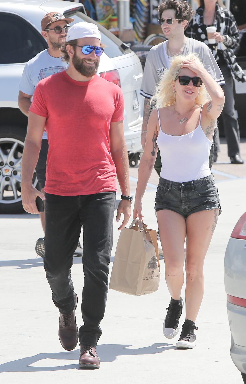 Lady Gaga I Bradley Cooper Mają Romans Sugeruje To Nowy