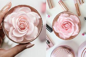 Puder w kształcie róży od Lancome to najpiękniejszy kosmetyk, jaki widziałyśmy