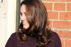 Księżna Kate jest mistrzynią ciążowego stylu. Ale tym razem patrzymy na jej twarz. Też widzicie tę zmianę?