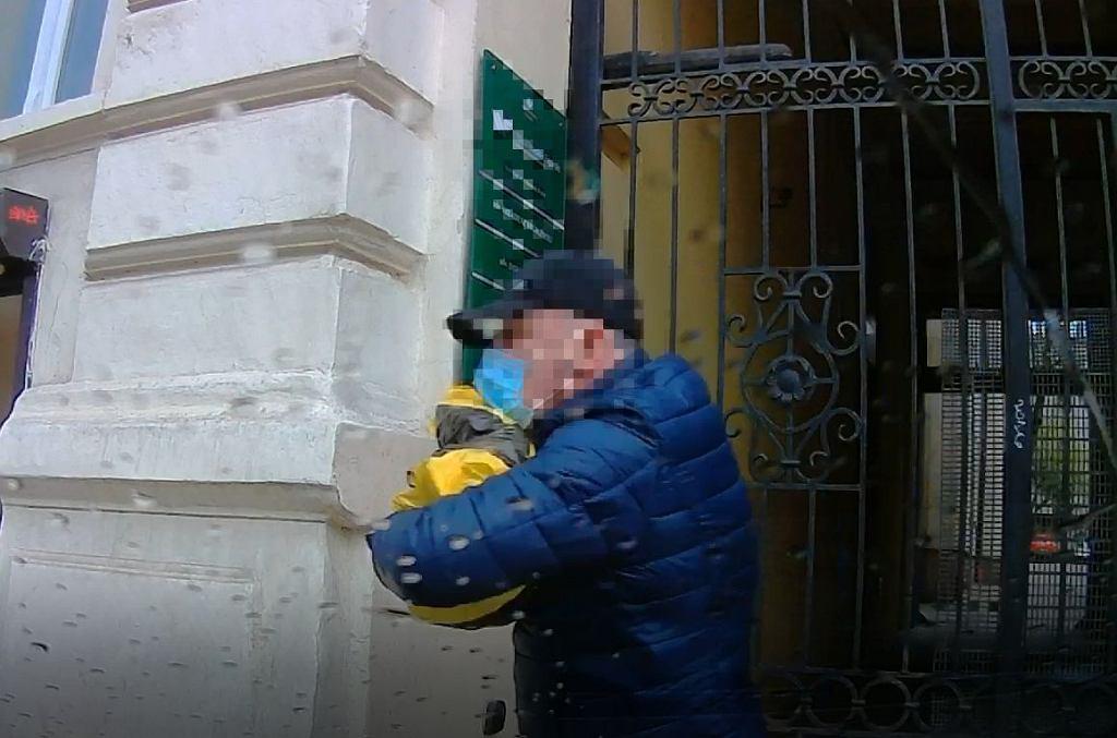 Łódź. Wybili szybę w samochodzie i ukradli kilkaset tysięcy złotych