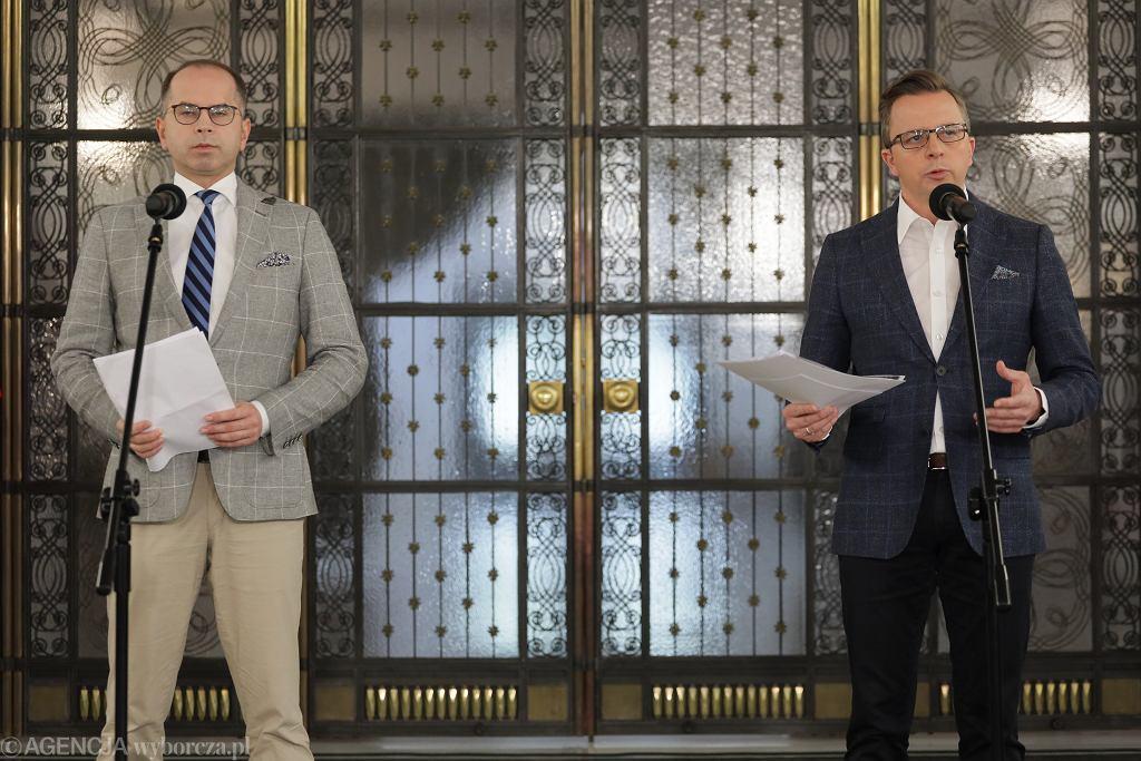 Posłowie KP KO: Michał Szczerba i Dariusz Joński