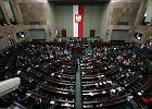 Kancelaria Sejmu do posłów: dorabiajcie! Pełne uposażenie i tak się należy