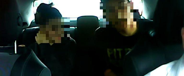 Napad na taksówkarza. 17-latek zagroził nożem, 16-latka zabrała pieniądze
