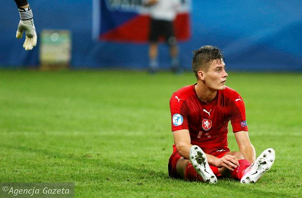Polska - Czechy. Czeski film w czeskim futbolu: słaba reprezentacja i liga pełna paradoksów. System jest nie leczony, a obśmiewany