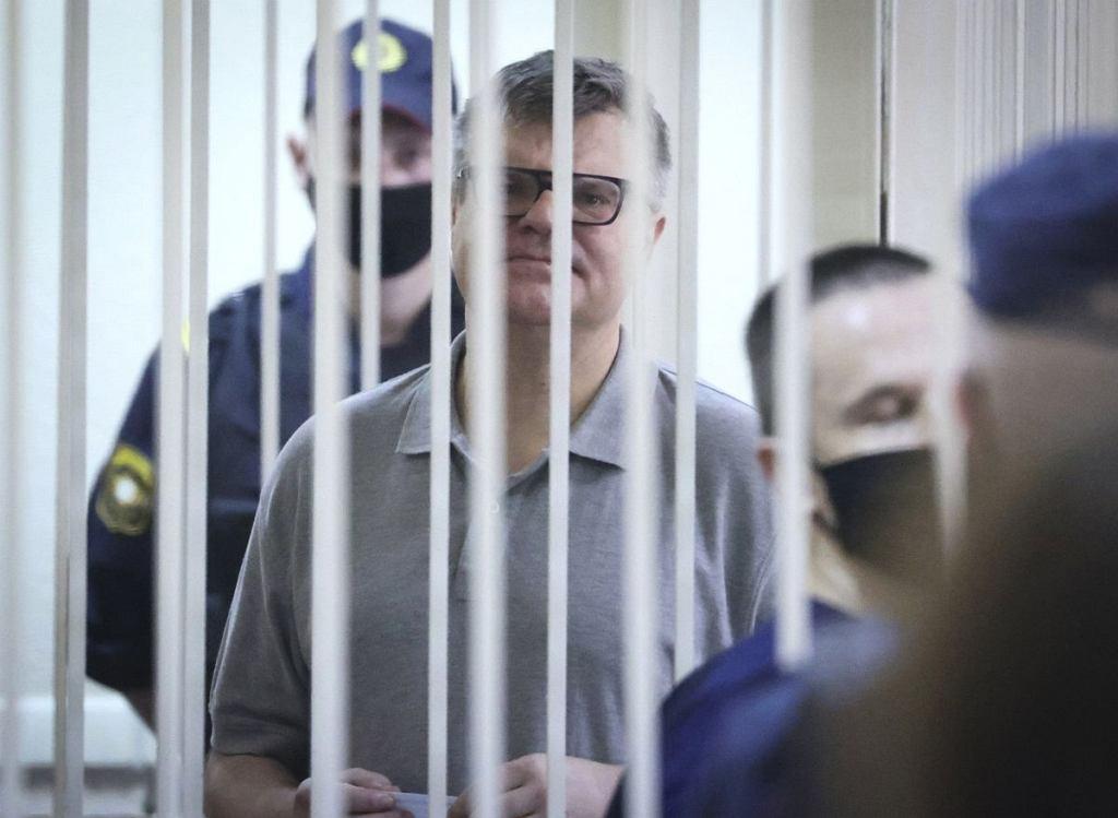 Na 14 lat więzienia skazał sąd w Mińsku Wiktara Babarykę, byłego bankiera, który w ubiegłym roku zamierzał stanąć do wyborów prezydenckich przeciwko Alaksandrowi Łukaszence