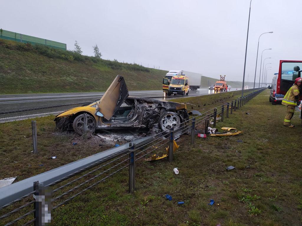 Kujawsko-Pomorskie. Wypadek na autostradzie A1. Spłonęło lamborghini gallardo