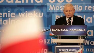 30.10.2018, Skarżysko Kamienna, Jarosław Kaczyński na konwencji PiS-u popierającej kandydata na prezydenta miasta Mariusza Bodo.