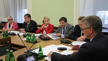 Posiedzenie sejmowej Komisji do Spraw Kontroli Państwowej w Warszawie