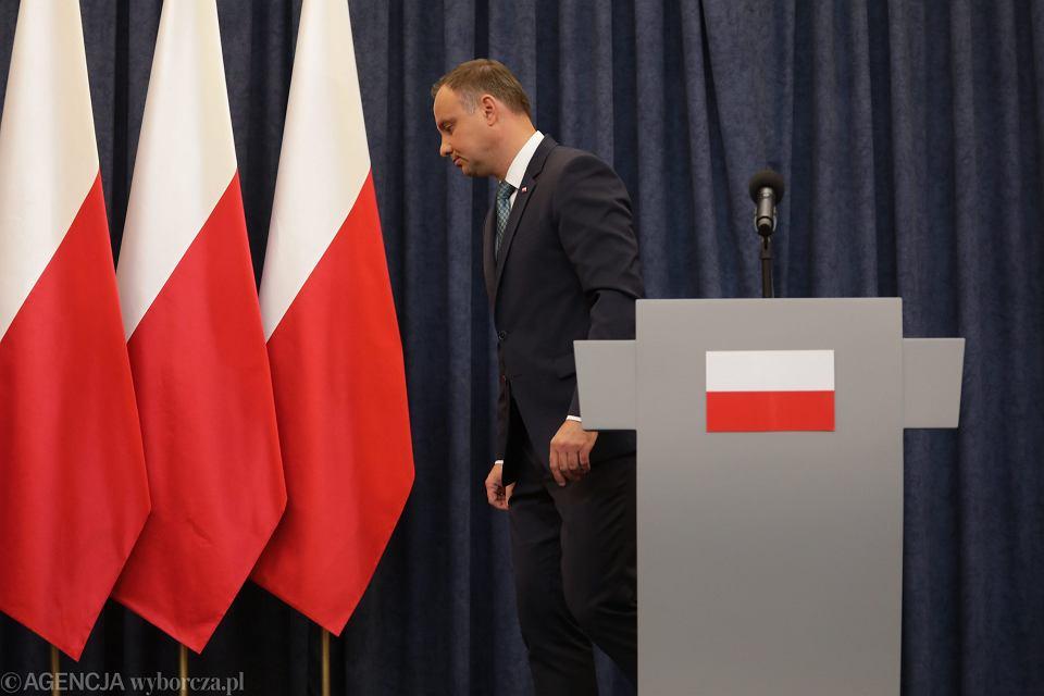 Prezydent RP Andrzej Duda oświadcza, że zawetuje dwie z trzech pisowskich ustaw ograniczających niezależność sądownictwa (o SN i KRS). Warszawa, 24 lipca 2017