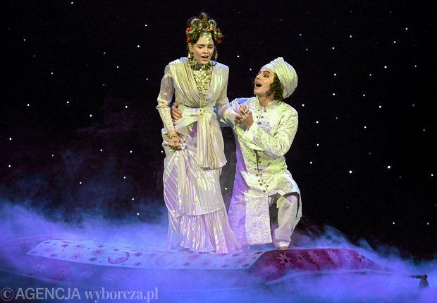 Jedną z atrakcji musicalu 'Aladyn Jr' był latający nad widownią dywan (21 września 2011 r.)