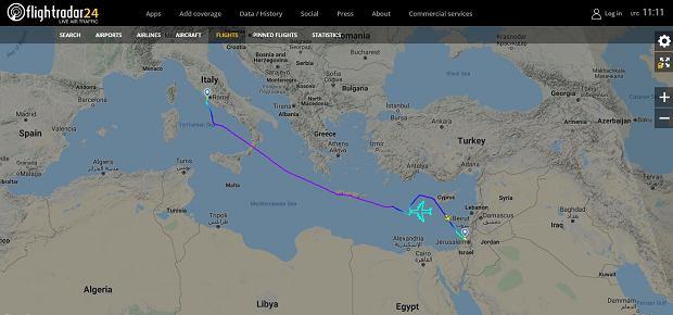 Boeing 747 w barwach El Al maluje samolot na niebie