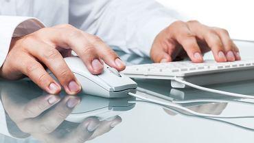 Trolle na usługach Chin zamieszczają w internecie pół miliarda postów rocznie