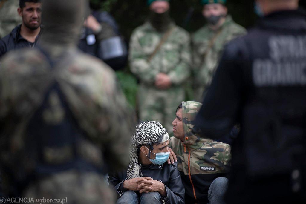 Usnarz. Migranci na granicy polsko-białoruskiej