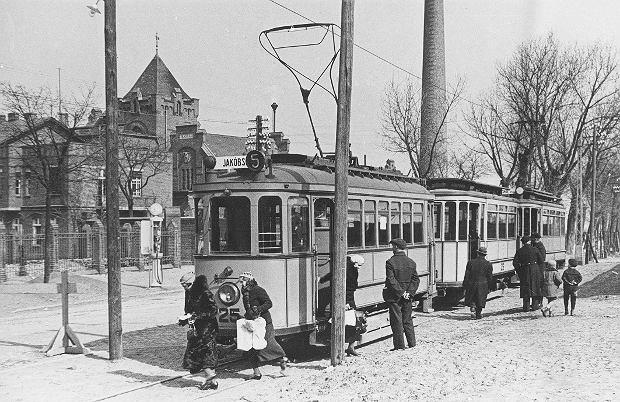 Zdjęcie numer 1 w galerii - 129 lat temu w Toruniu pojawiły się pierwsze konne tramwaje. Tak wozy zmieniały się przez lata [GALERIA]