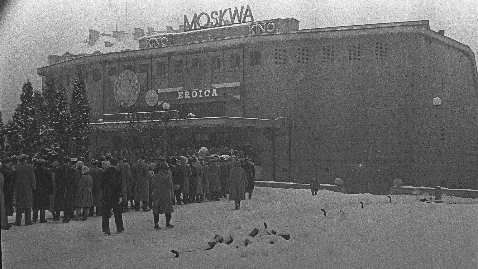 Kolejki przed kinem Moskwa w 1958 roku