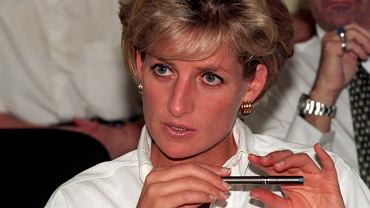 Księżna Diana na niepublikowanych wcześniej zdjęciach. Bikini, drink i prywatny jacht