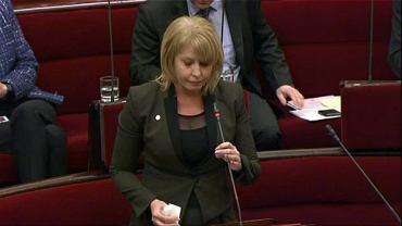Rachel Carling-Jenkins podczas wystąpienia w parlamencie stanu Victoria