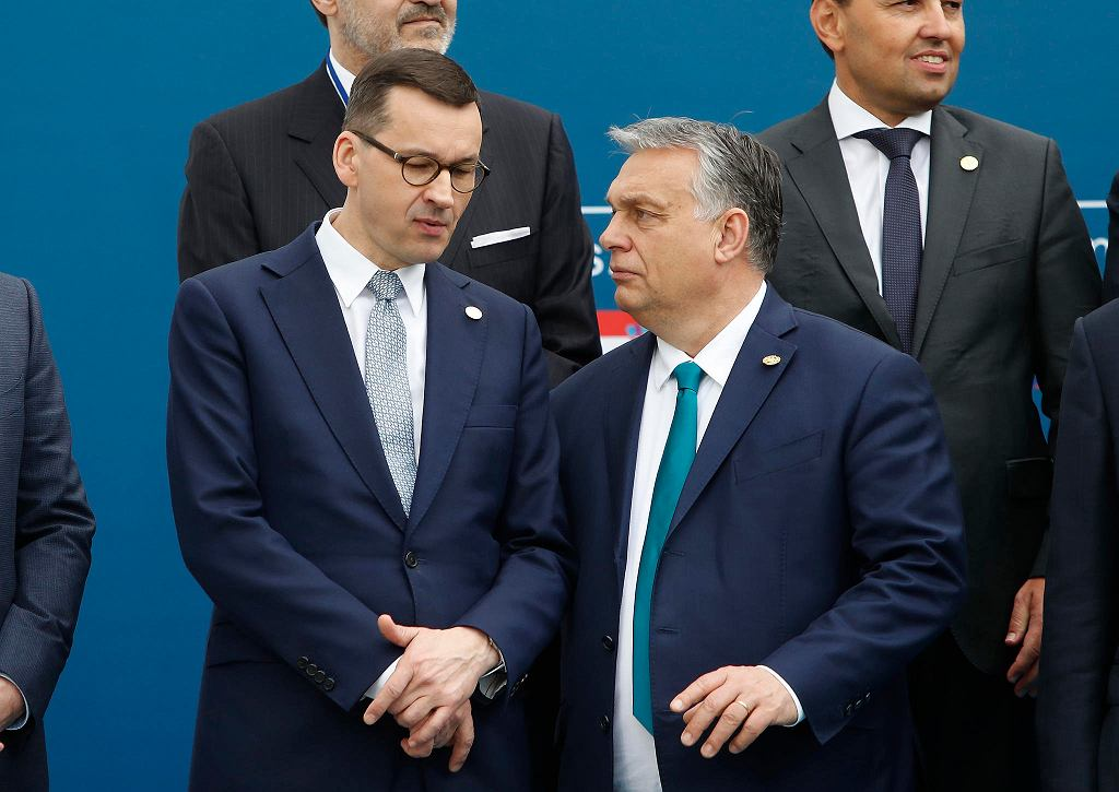 Premierzy Polski i Węgier Mateusz Morawiecki i Viktor Orban grożą zawetowaniem budżetu Unii Europejskiej