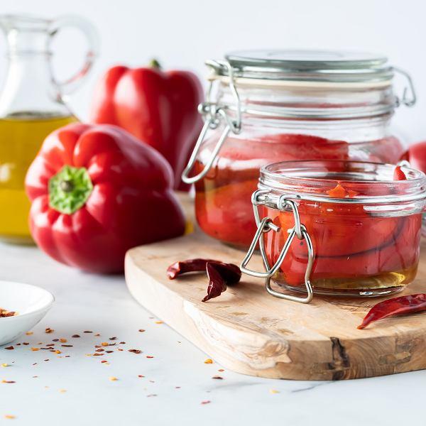 Papryka marynowana w oliwie.