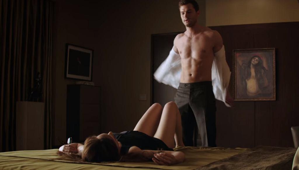 Ciemniejsza strona Greya - kadr z filmu, który zapisał się w historii kina ostatniej dekady odważnymi, pretensjonalnymi scenami seksu.