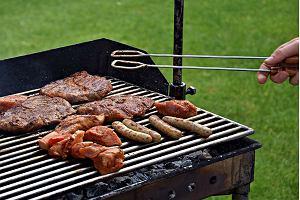 Grill węglowy czy gazowy - który lepiej wybrać?