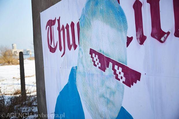Zdjęcie numer 0 w galerii - Bartłomiej Misiewicz jak gangster na muralu w Gdyni [ZDJĘCIA]