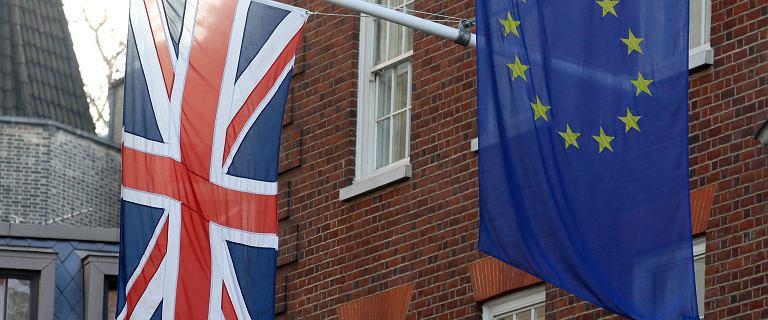 Brexit. Posłowie odrzucili wszystkie poprawki Izby Lordów